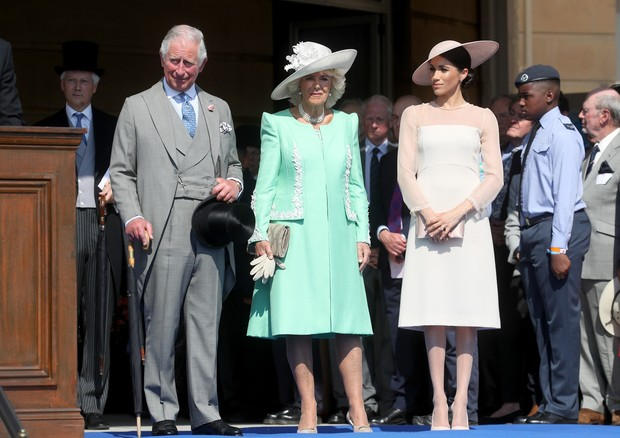 LONDON, ENGLAND - MAY 22: (L-R) Prince Charles, Prince of Wales, Camilla, Duchess of Cornwall and Meghan, Duchess of Sussex attend The Prince of Wales' 70th Birthday Patronage Celebration held at Buckingham Palace on May 22, 2018 in London, England. (Pho (Foto: Chris Jackson/Getty Images)