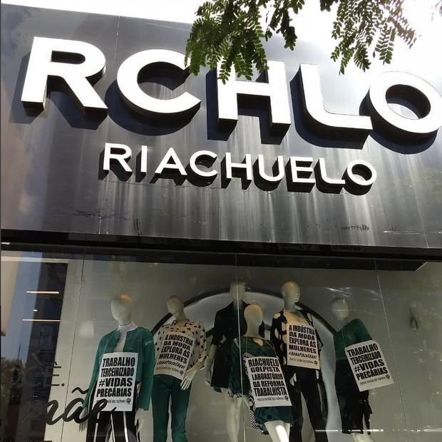 Marcha Internacional das Mulheres faz ato em frente à loja da Riachuelo na Avenida Paulista (Foto: Reprodução)