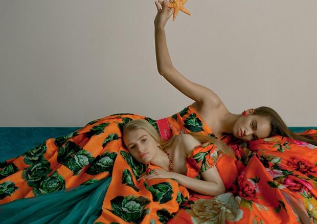 Vestidos, colar e brinco, tudo Dolce & Gabbana (Foto: Zee Nunes)